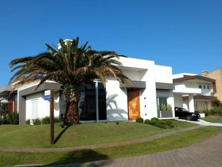 Casa em Condomínio 4 dormitórios em Capão da Canoa | Ref.: 1005