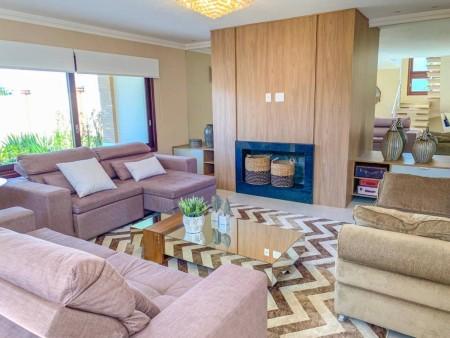 Casa em Condomínio 4 dormitórios em Capão da Canoa   Ref.: 3817