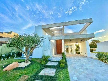 Casa em Condomínio 4 dormitórios em Capão da Canoa | Ref.: 4094