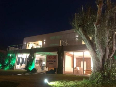 Casa 4 dormitórios em Atlântida | Ref.: 4454