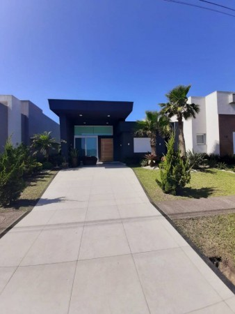 Casa em Condomínio 4 dormitórios em Capão da Canoa | Ref.: 5033