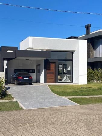 Casa em Condomínio 3 dormitórios em Capão da Canoa | Ref.: 5729