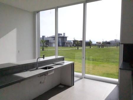 Casa em Condomínio 4 dormitórios em Xangri-lá | Ref.: 6497