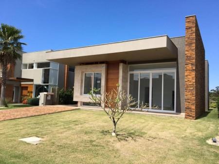 Casa em Condomínio 4 dormitórios em Xangri-lá   Ref.: 6757