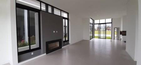Casa em Condomínio 4 dormitórios em Capão da Canoa | Ref.: 6952