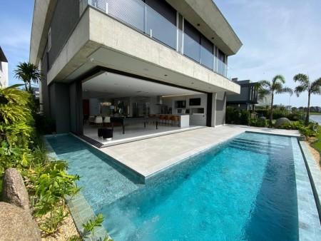 Casa em Condomínio 5 dormitórios em Xangri-lá | Ref.: 7004