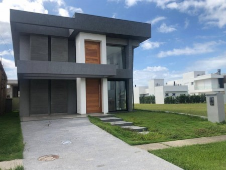 Casa em Condomínio 4 dormitórios em Capão da Canoa | Ref.: 7010